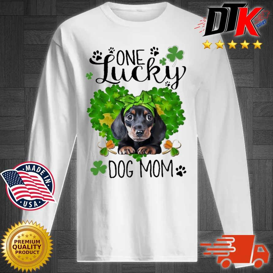 Dachshund one lucky dog mom St Patrick's Day Longsleeve tee trang